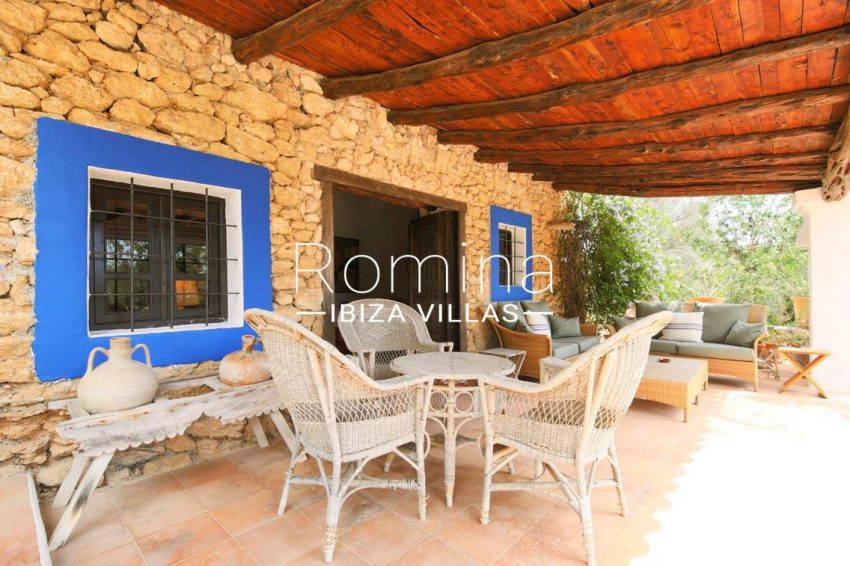 finca el secreto ibiza-2porch dining area lounge