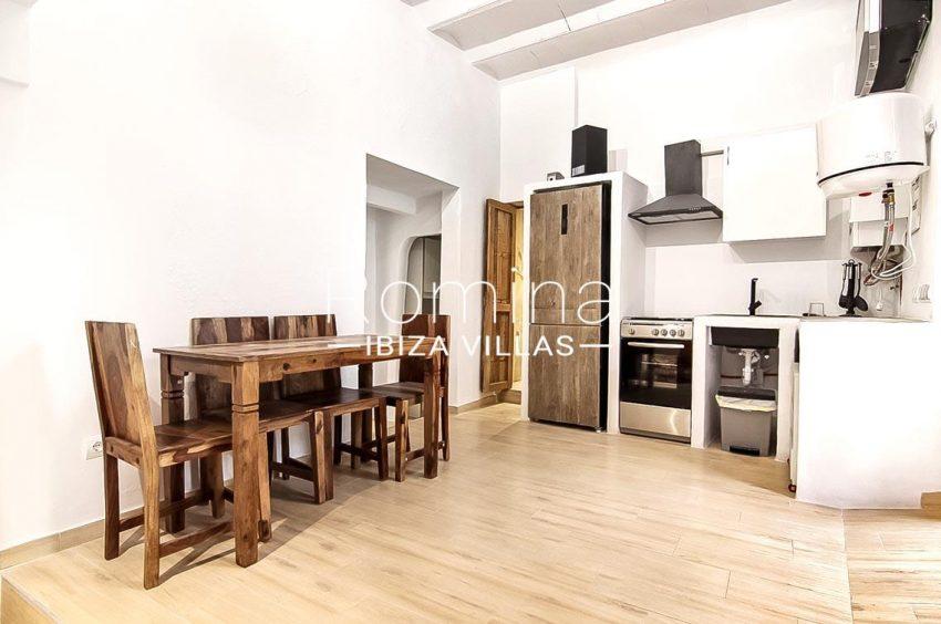 romina-ibiza-villas-rv-677-casa-dalt-vila-3zdining area kitchen apt