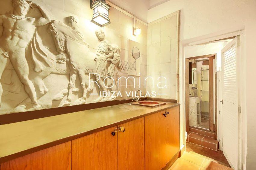 romina-ibiza-villas-rv-677-casa-dalt-vila-5bathroom
