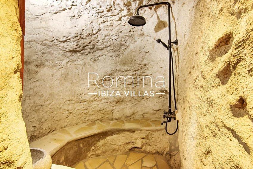 romina-ibiza-villas-rv-677-casa-dalt-vila-5shower
