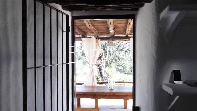 romina-ibiza-villas-rv-681-can-morna-3zkitchen2 porch