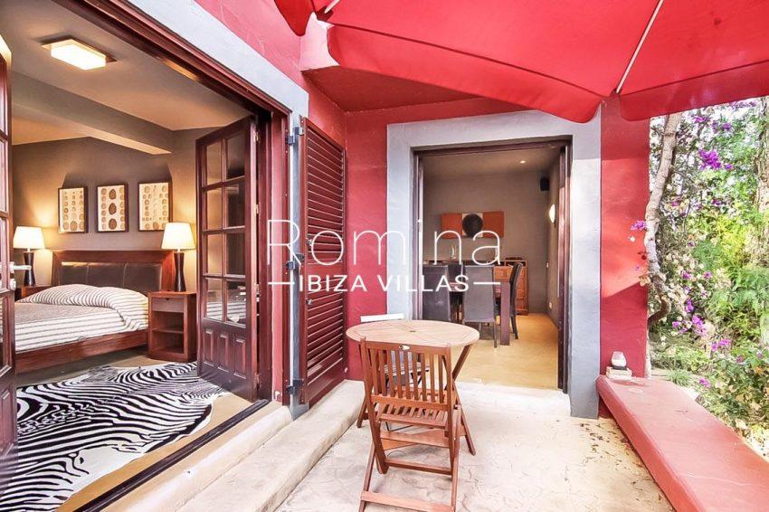 romina-ibiza-villas-rv679-villa-garnet-2terrace bedroom