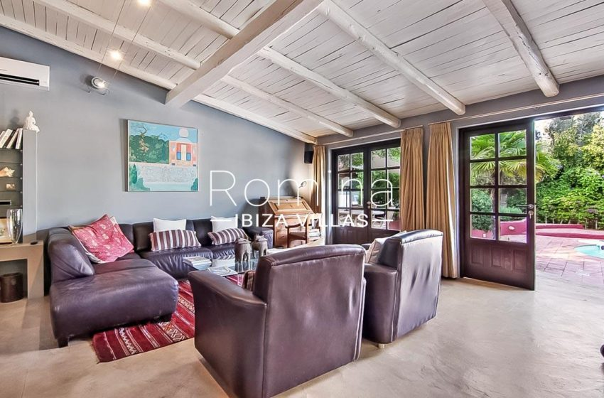 romina-ibiza-villas-rv679-villa-garnet-3living room3 terrace