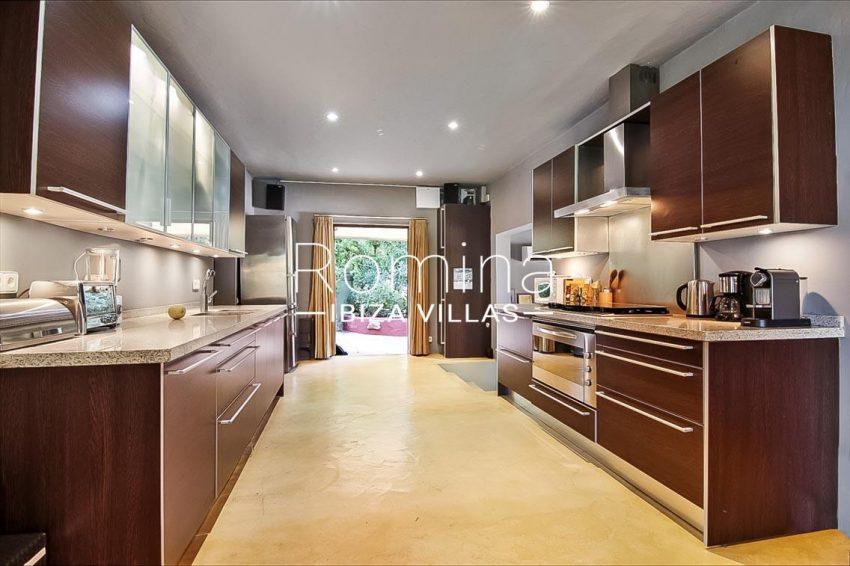 romina-ibiza-villas-rv679-villa-garnet-3zkitchen