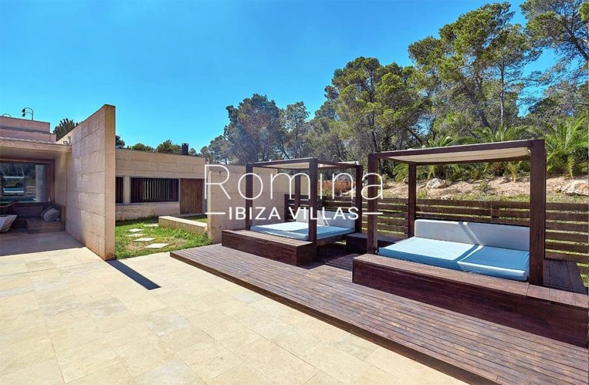 romina-ibiza-villas-villa-chamade-rv676-2terrace chill out