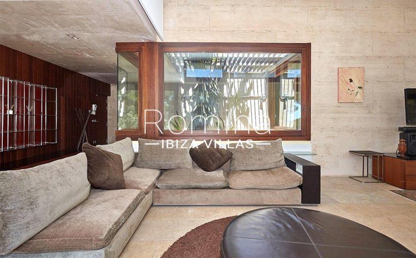 romina-ibiza-villas-villa-chamade-rv676-3living area