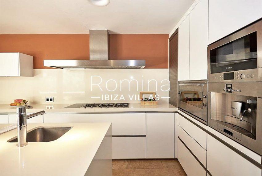 romina-ibiza-villas-villa-chamade-rv676-3zkitchen3