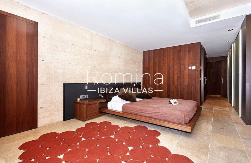romina-ibiza-villas-villa-chamade-rv676-4master bedroomter