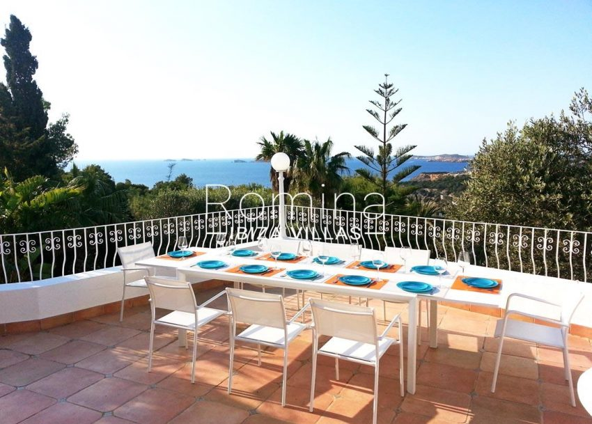 romina-ibiza-villas-villa-la pausa-rv669-1terrace dining area sea view