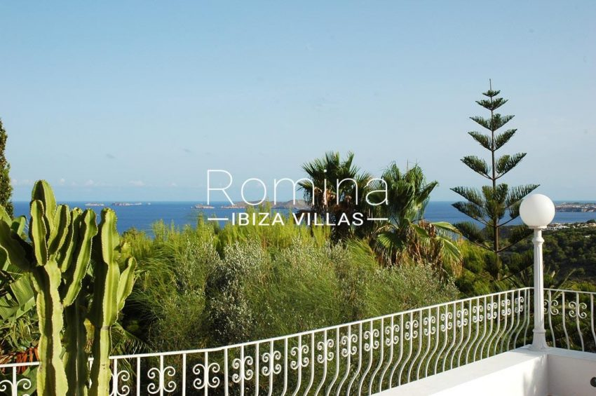 romina-ibiza-villas-villa-la pausa-rv669-1terrace sea view