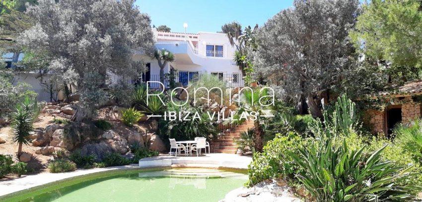 romina-ibiza-villas-villa-la pausa-rv669-2pool facade