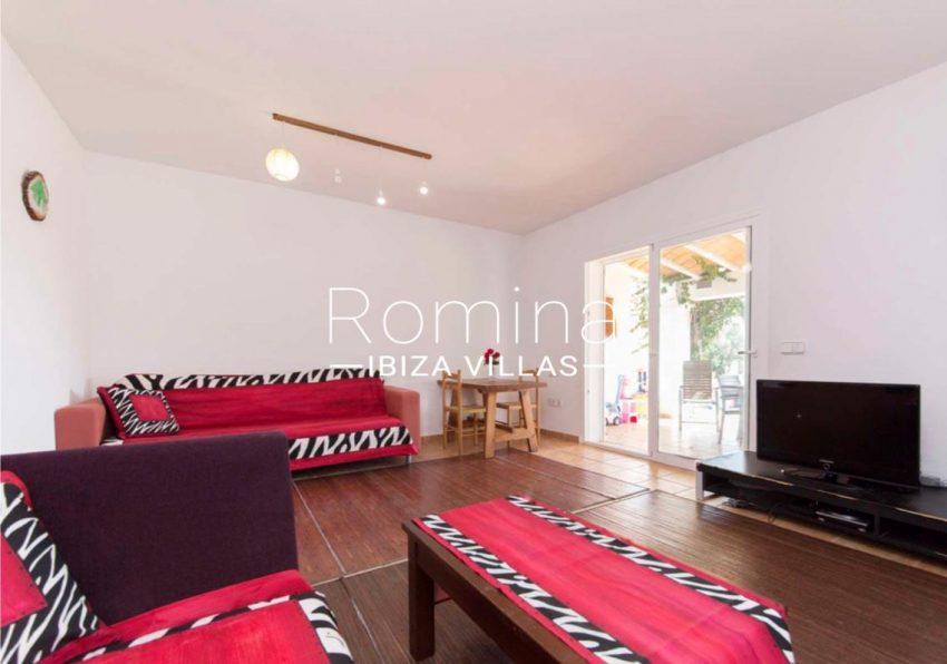 romina-ibiza-villas-casas-hiru-rv686-3living dinin room terrace
