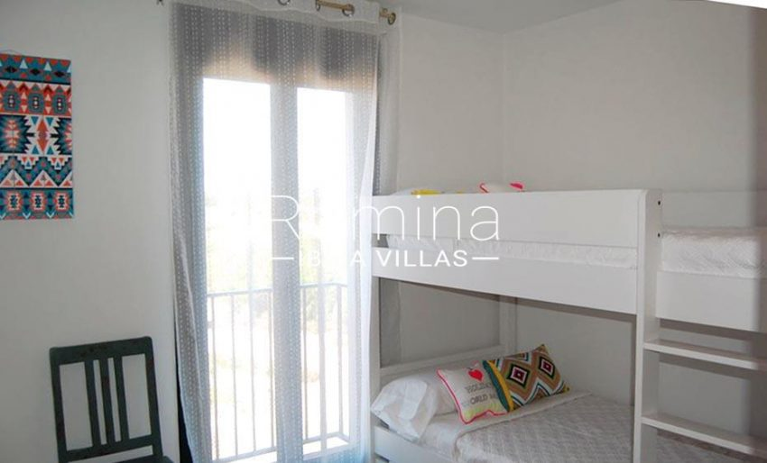 romina-ibiza-villas-rv688-adosado-teva-4bedroom bunk beds