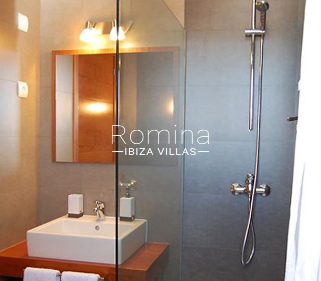 romina-ibiza-villas-rv688-adosado-teva-5shower room
