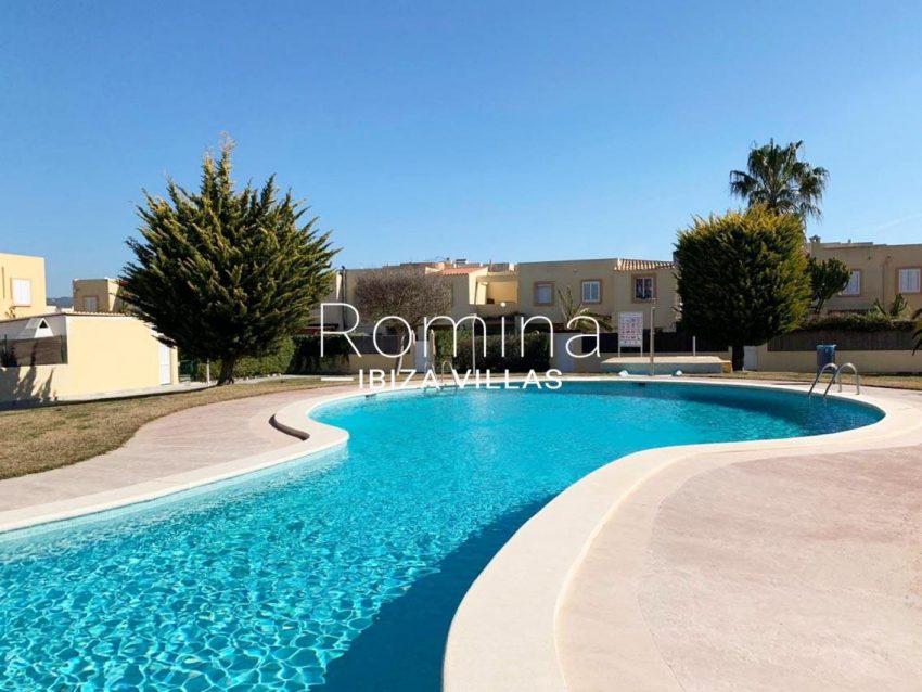 romina-ibiza-villas-rv690-adosado-pedres-2pool3