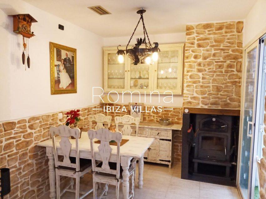 romina-ibiza-villas-rv690-adosado-pedres-3zdining room