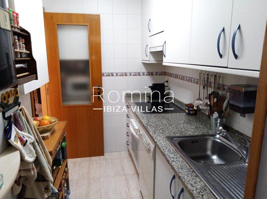 romina-ibiza-villas-rv690-adosado-pedres-3zkitchen2