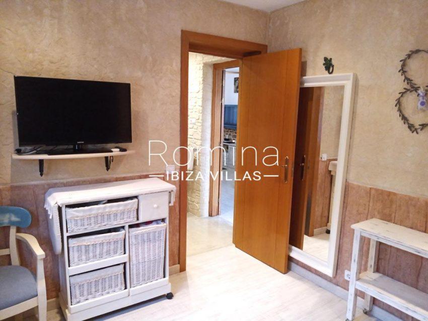 romina-ibiza-villas-rv690-adosado-pedres-4bedroom2