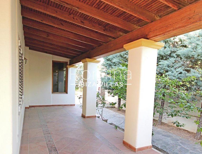 romina-ibiza-villas- rv693- villa-brett-2porch
