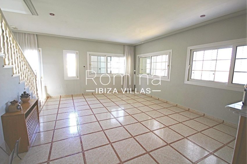 romina-ibiza-villas- rv693- villa-brett-3living room