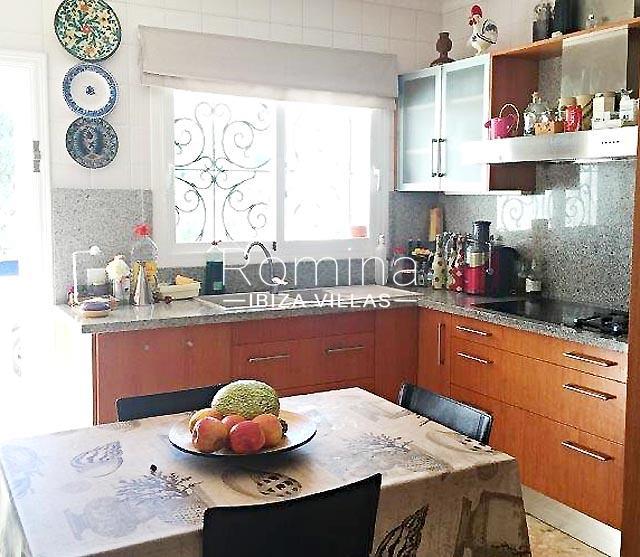 romina-ibiza-villas-rv694-villa-barana-3zkitchen dining area
