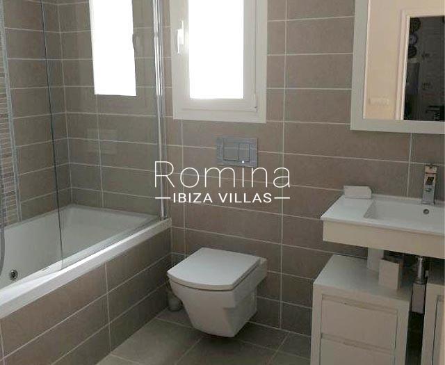 romina-ibiza-villas-rv694-villa-barana-5bathroom1bis