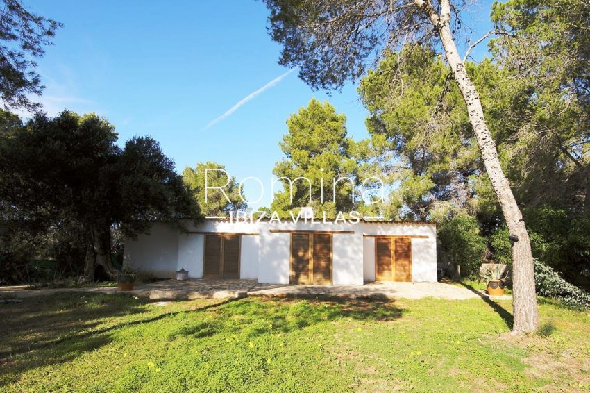 romina-ibiza-villas-rv695-can-joan-mari-2bungalows2