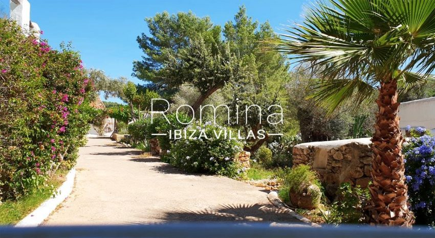romina-ibiza-villas-rv695-can-joan-mari-2entrance