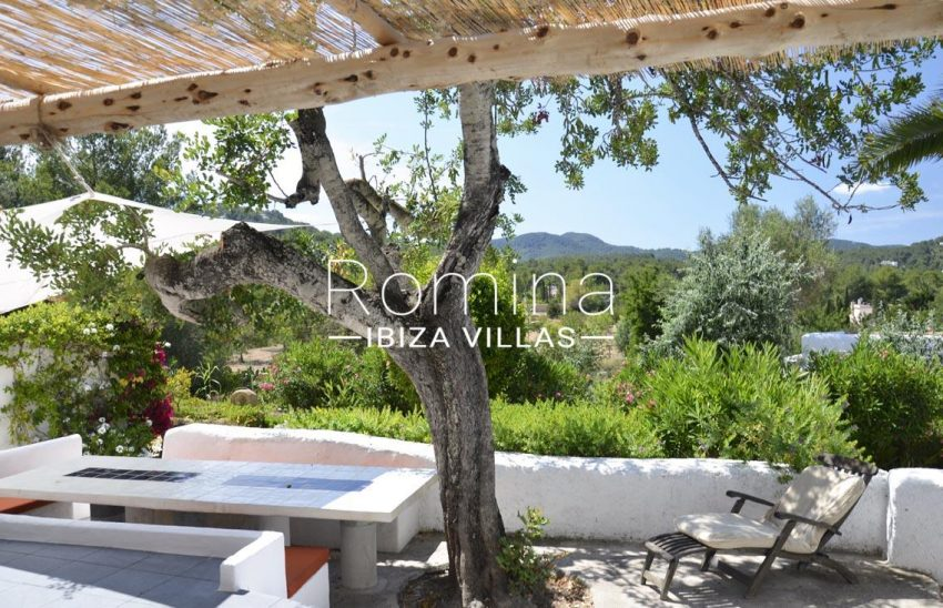 romina-ibiza-villas-rv695-can-joan-mari-2terrace dining area view hills