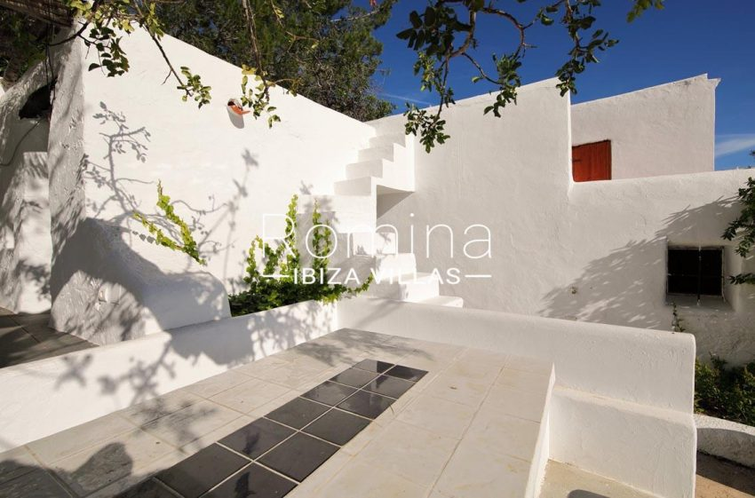 romina-ibiza-villas-rv695-can-joan-mari-2terrace diningarea