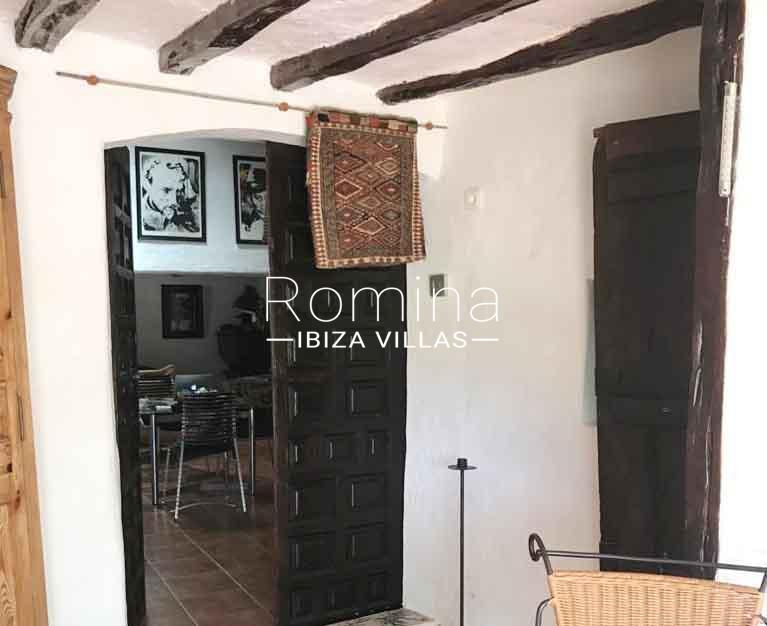 romina-ibiza-villas-rv695-can-joan-mari-3entrance hall2