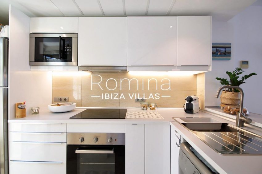 romina-ibiza-villas-rv698-adosado-pedrera-3zkitchen