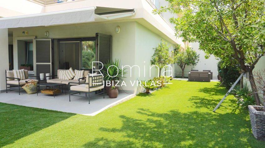 romina-ibiza-villas-rv-702-apto-berry-2garden terrace