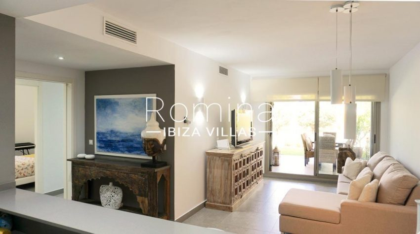 romina-ibiza-villas-rv-702-apto-berry-3living room