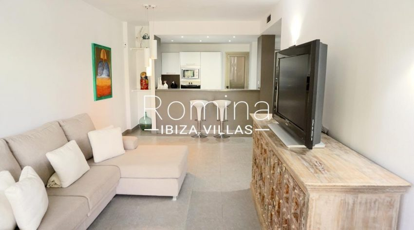 romina-ibiza-villas-rv-702-apto-berry-3living room kitchen