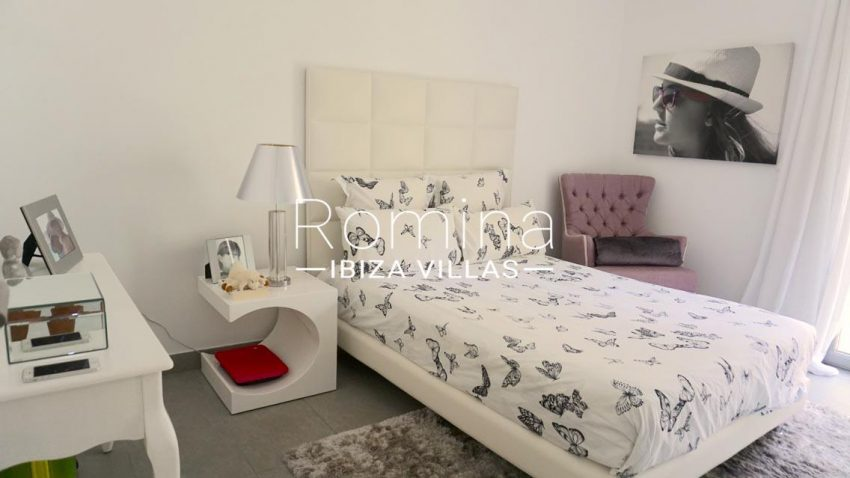 romina-ibiza-villas-rv-702-apto-berry-4bedroom2