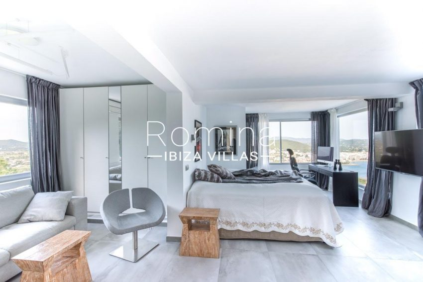 romina-ibiza-villas-rv-711-villa-baia-4bedroom2 sitting room