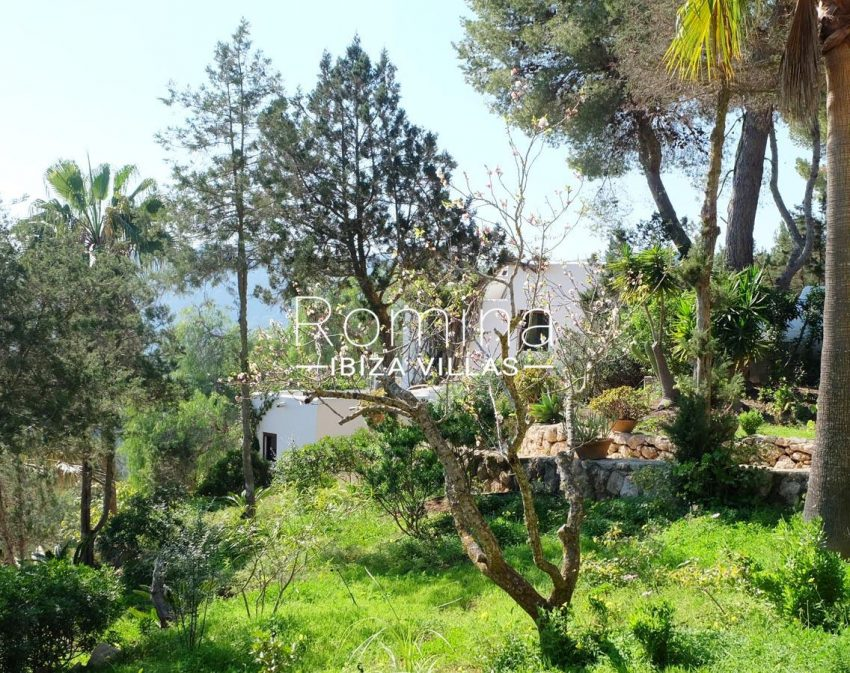 romina-ibiza-villas-rv-712-can-aster-2garden