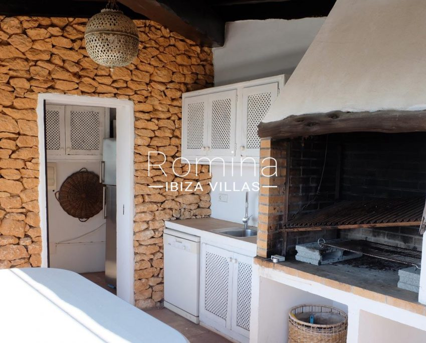 romina-ibiza-villas-rv-712-can-aster-2terrace outdoor kitchen barbecue