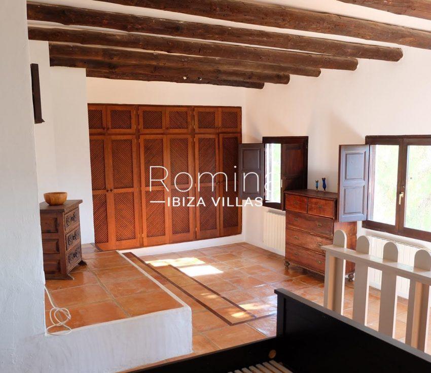 romina-ibiza-villas-rv-712-can-aster-4master bedroom2