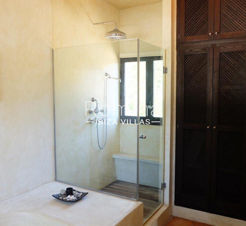 romina-ibiza-villas-rv-712-can-aster-5bathroom shower
