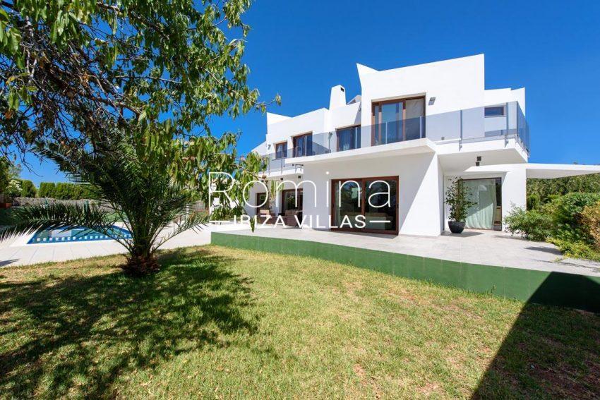 romina-ibiza-villas-rv699-villa margy-2facade garden