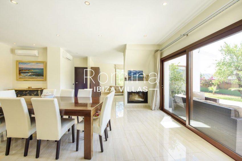 romina-ibiza-villas-rv699-villa margy-3zdining room2