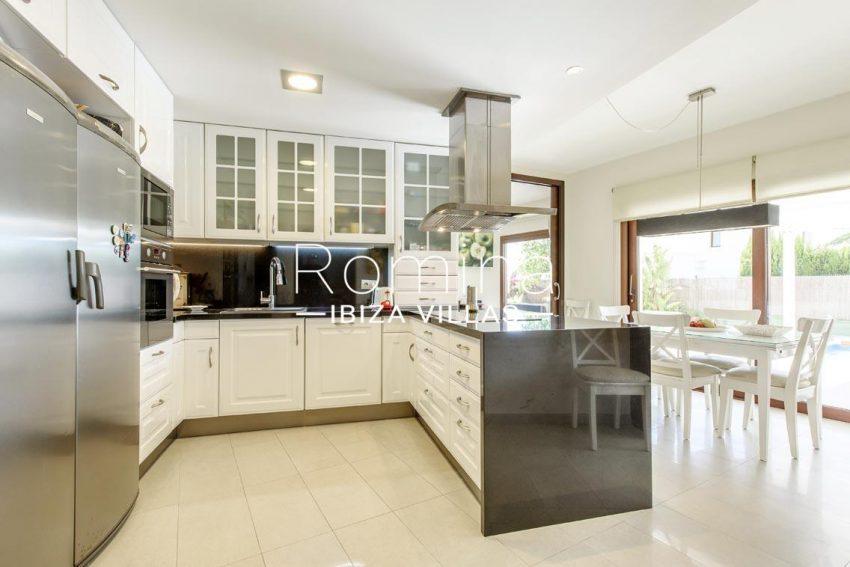 romina-ibiza-villas-rv699-villa margy-3zkitchen dining area