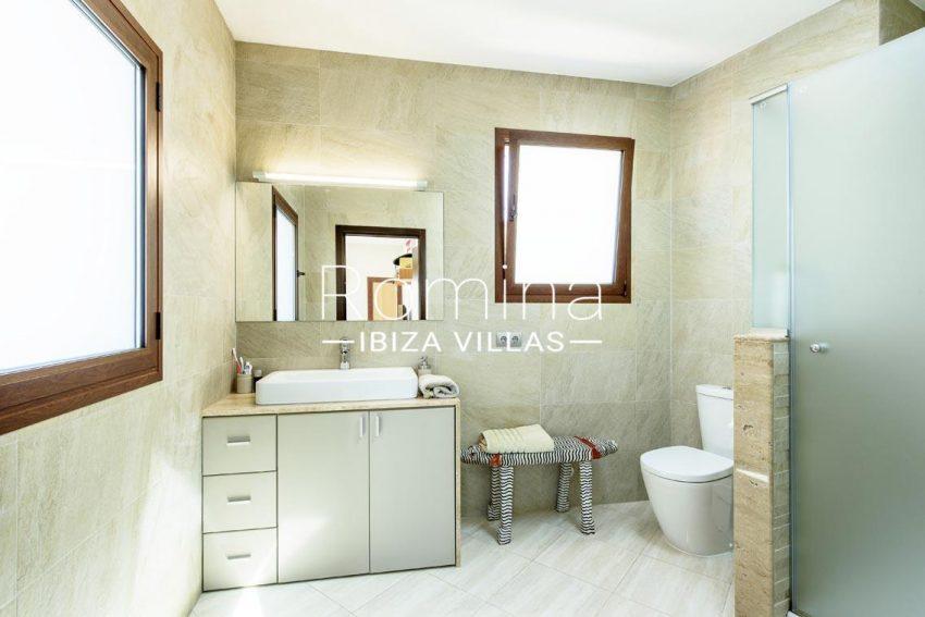 romina-ibiza-villas-rv699-villa margy-5shower room