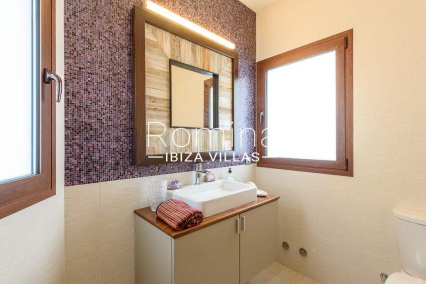 romina-ibiza-villas-rv699-villa margy-5toilet sink