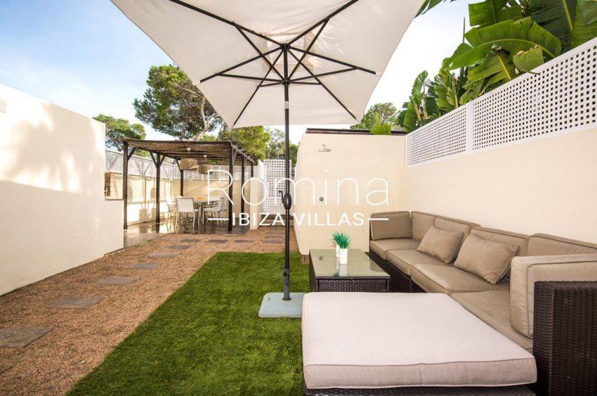 romina-ibiza-villas-rv701-adosado-bora-2entrance patio chill out