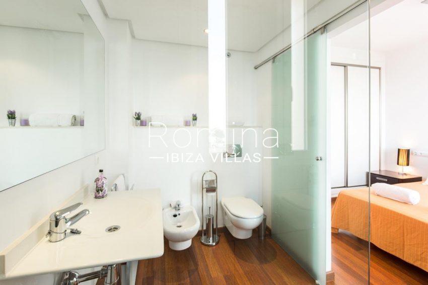 romina-ibiza-villas-rv701-adosado-bora-4bedroom1 bathroom