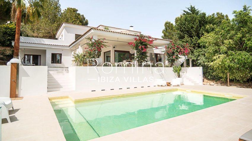 romina-ibiza-villas-rv707-villa-acacia-2pool facade terrace