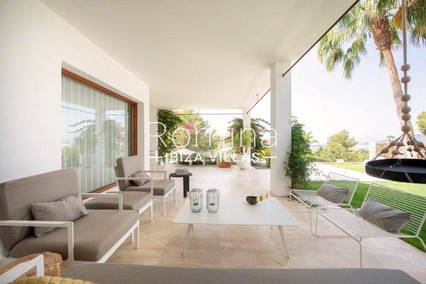 romina-ibiza-villas-rv707-villa-acacia-2terrace sitting area2